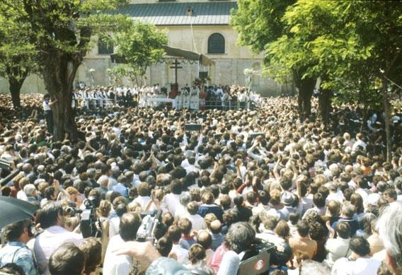 images/cssr/1985/vlehrad.jpg