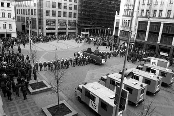images/cssr/1989/wenzelsplatz2.jpg