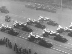 Militärparade in Moskau, 1. 5.1960 | Quelle archive.org