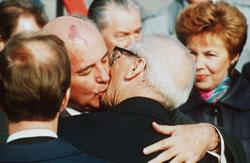 images/sowjetunion/1989/bruderkuss.jpg