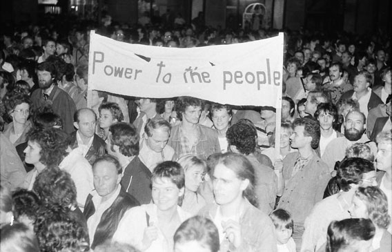Power to the people | Quelle: ABL